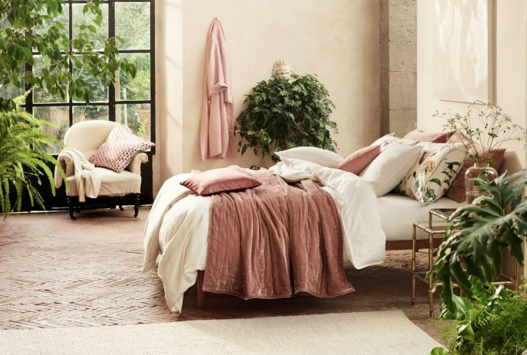 Gciletta_tessili_per_la_casa_H&M_home_camera_letto_cuscini_secret_garden