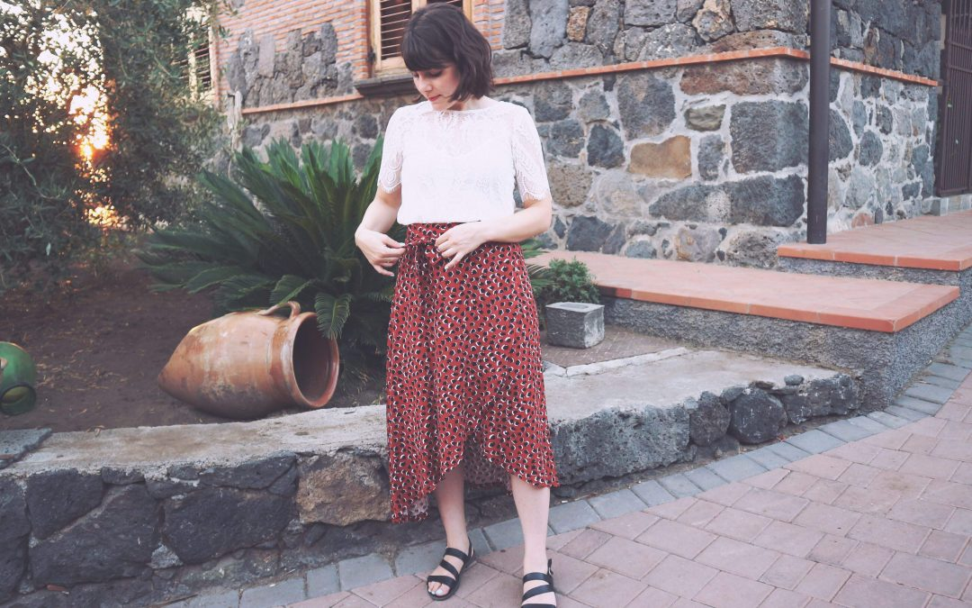 Alba Skirt di Sew Over It: una gonna midi a portafoglio